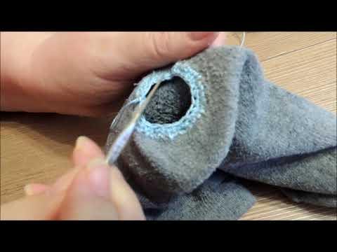 как заштопать носок крючком
