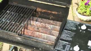 How to Clean and Maintain a Grill