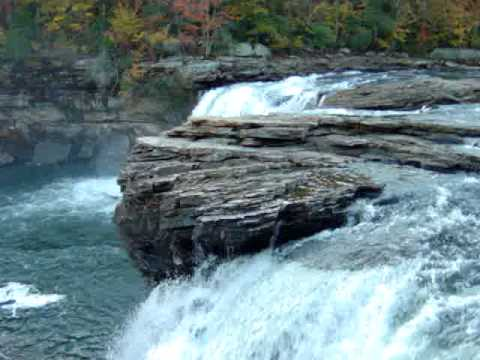 water fall in fort payne alabama (little river canyon)