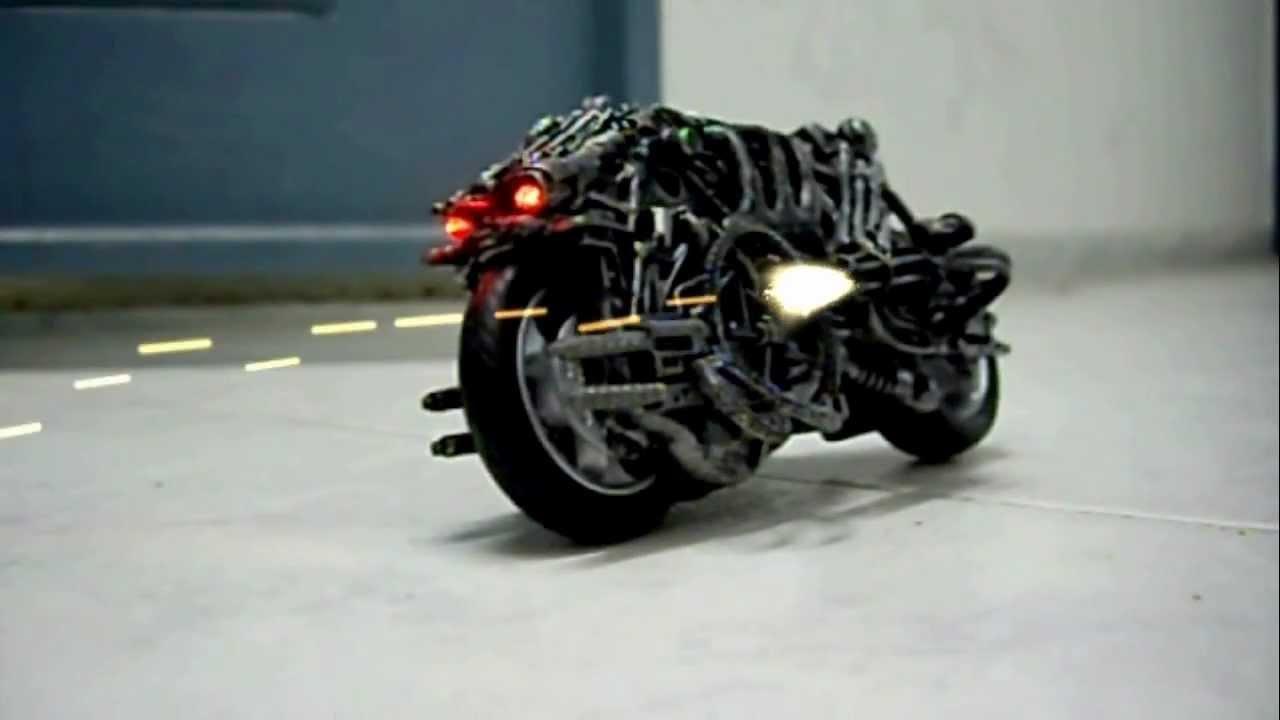 MOTO TERMINATOR ...T 800 Terminator 2