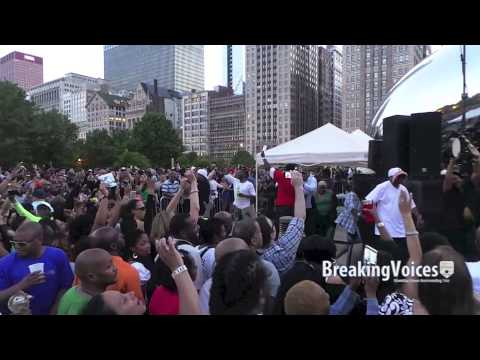 """Frankie Knuckles Tribute Fans Dance Around The """"Bean"""" in Chicago"""
