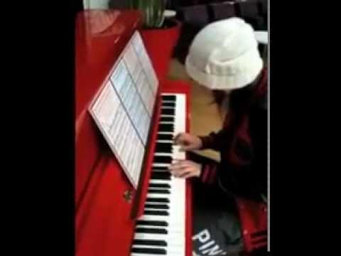 Jena Lee joue J'aimerais Tellement au piano - YouTube