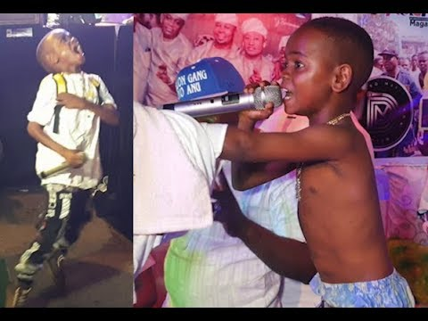 Download 6yrs Old Boy Perform Just Like Naira Marley,Remix 'Soapy' As Kunle Poly Spray Him At Doro Concert