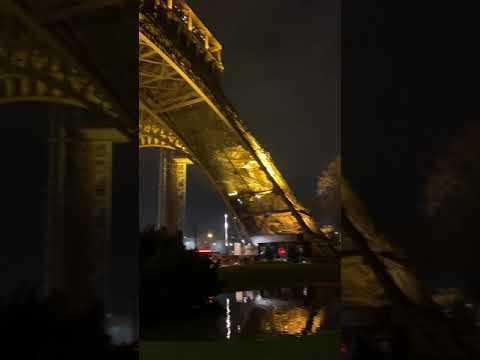 Under Eiffel Towel