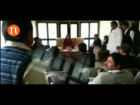 Maneka Gandhi abusing an official alleged of corruption in UP