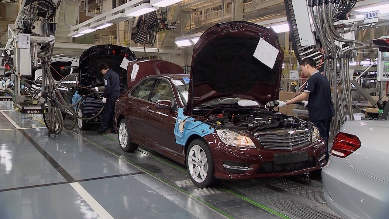 Mercedes benz factory in china youtube for Mercedes benz usa factory