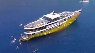 Swim Cruise - Deluxe Yacht