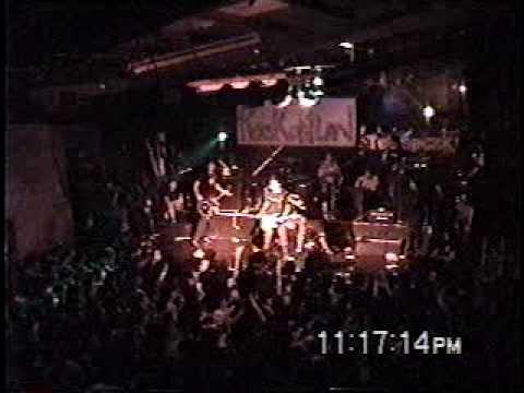 Quemando cartas - Delux en vivo, Rockotitlan punk rock fest  23/04/05