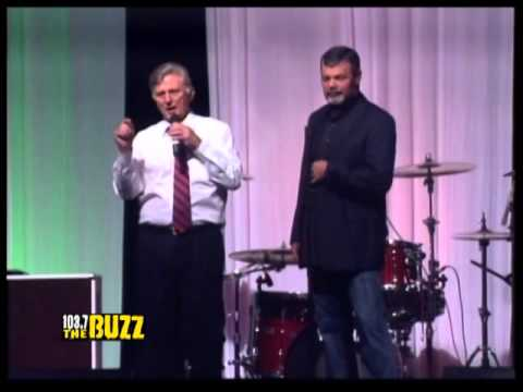 Christmas Karaoke - Governor Mike Beebe and Speaker Davy Carter