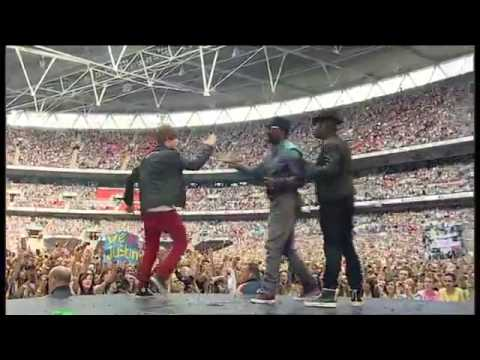 Usher 'OMG'  Live at SummerTime Ball ft will.i.am and joined on stage by JUSTIN BIEBER