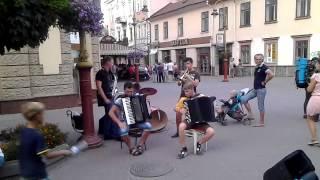 �������� ���� Супер Прикольные уличные музыканты Смотреть всем ������
