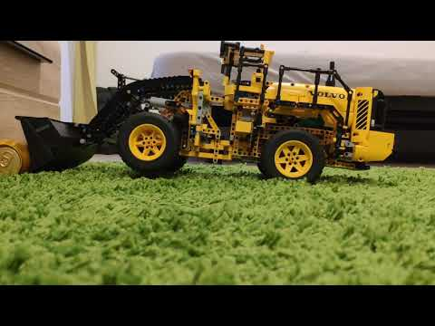 lego-technic-42030-volvo-wheel-loader