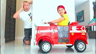 Max y papá juegan a las escondidas en una casa nueva