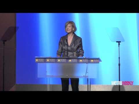 Tammy Baldwin speaks at the 2011 HRC Dinner