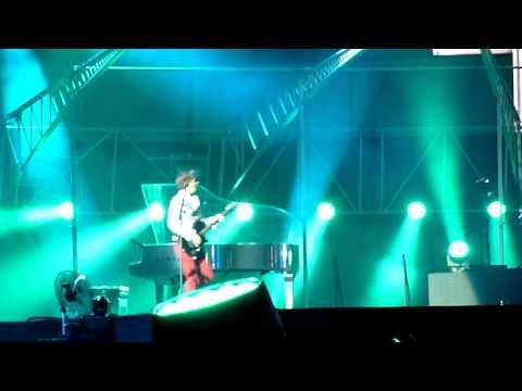 Muse  Riffs + Agitated & Yes Please  Helsinki  27 July 2013 HD