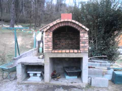 Barbecue en brique youtube for Fabrication barbecue exterieur