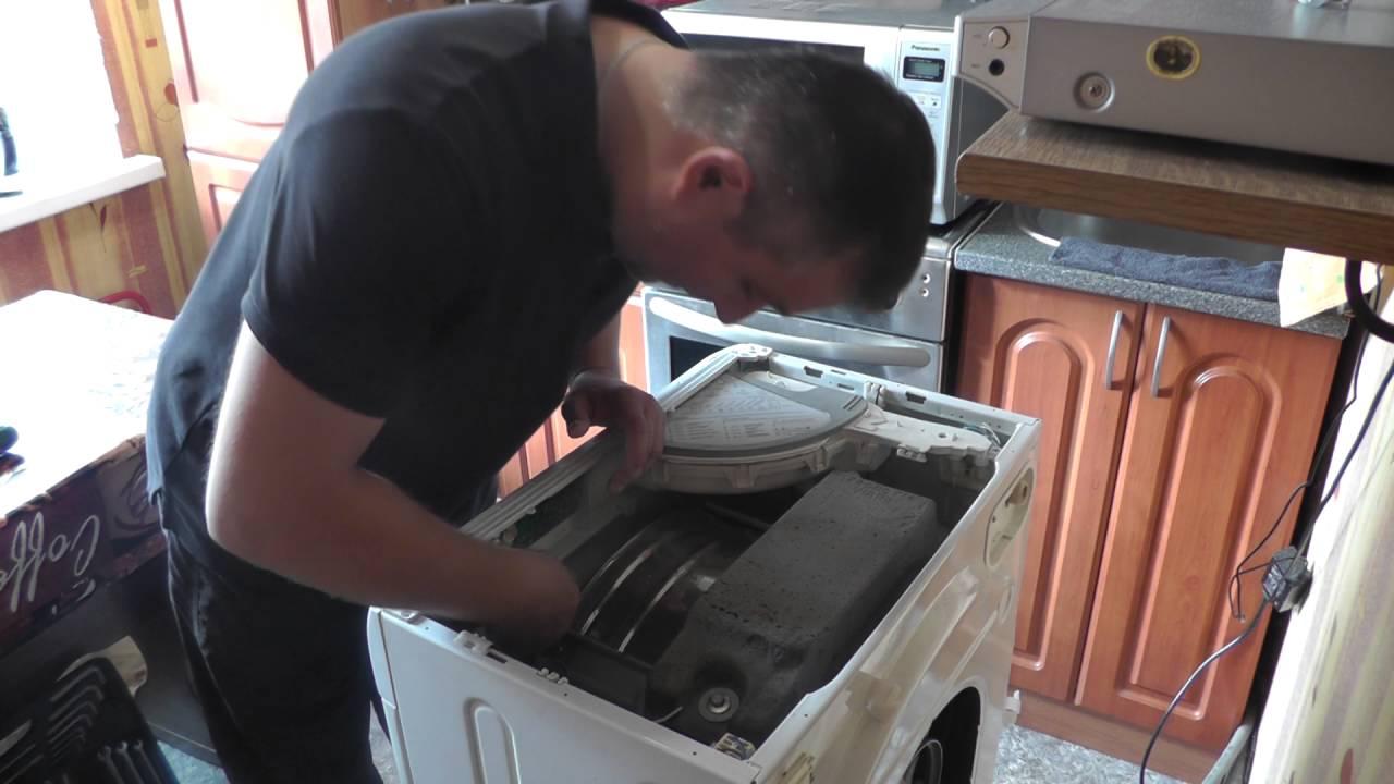 Topnotch Замена подшипников и сальника на стиральной машинке Аристон - YouTube IW45