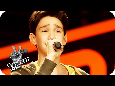 Roger Cicero -  in diesem Moment (Leon) | The Voice Kids 2017 (Germany) | Blind Auditions | SAT.1