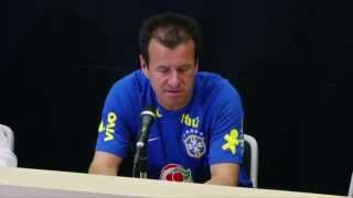 "Neu-Coach Carlos Dunga lobt seine Selecao: ""Einfach gut"" | Japan - Brasilien"