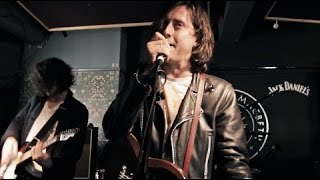 Watch Carl Barat + The Jackals Play 'Victory Gin' Live