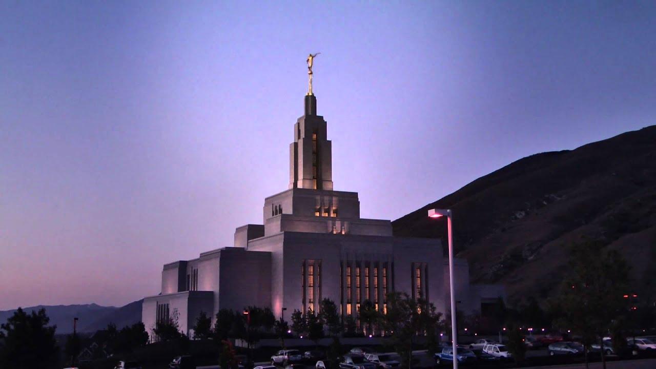 Draper LDS Temple Utah Time Lapse Moon Stars