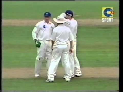 *RARE* STUART MACGILL destroys SOUTH AFRICA - 9 wickets- 2001 SCG