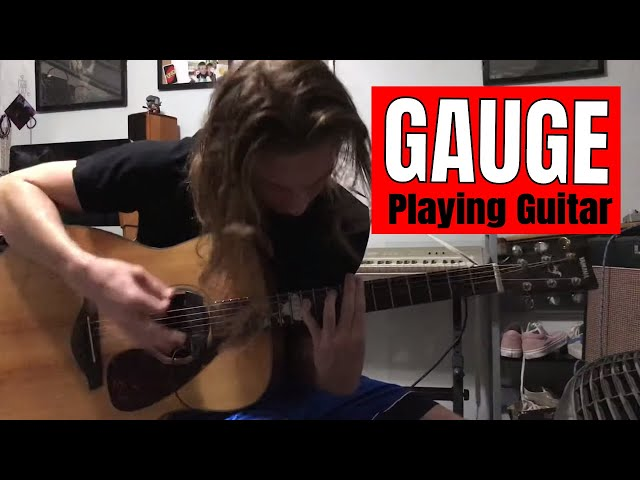 Gauge and his guitar (Impromptu)