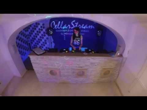 MORENO& FRIEND'S RADIO SHOW #010 CLAUDIA BLACK @ CELLAR ROOM