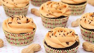 Cupcakes de Chocolate con Mantequilla de Cacahuete o Maní