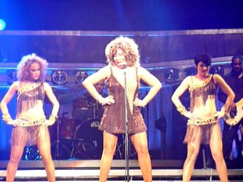 Tina Turner Live 2009 Proud Mary