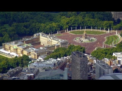 London - Buckingham Palace - London Travel Guide -  England