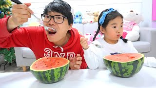 Boram and DDochi Make Giant Watermelon Satisfying Slime