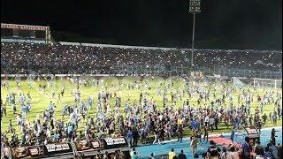 Arema Dikejar Polisi Di Stadion Kanjuruhan Malang