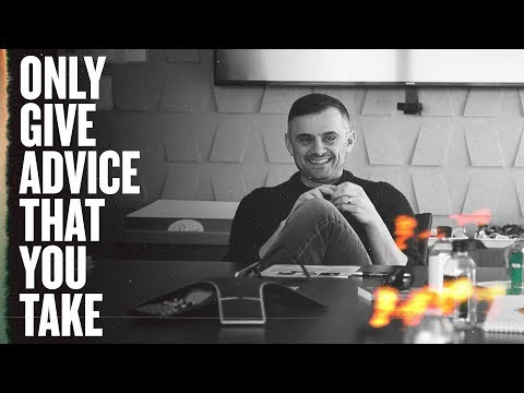 Having Brunch With 8 Fans That Supported Crushing It! | GaryVee Business Meeting