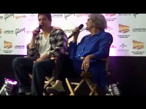 Gremlins talk at London Film & Comic Con 2015 Zach Galligan and Frances Lee McCain
