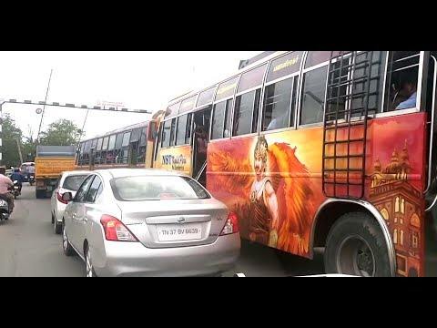 Private Bus making cars to go Left end - Beautiful Bahubali Art paint job  (right side @ 1:03)