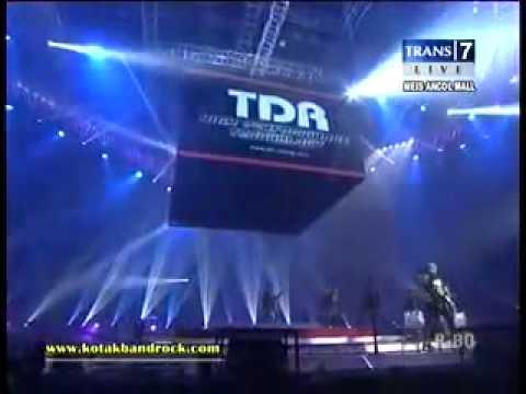 KOTAK Feat BONDAN PRAKOSO Terbang Konser Energ9 Rock Never Dies Trans