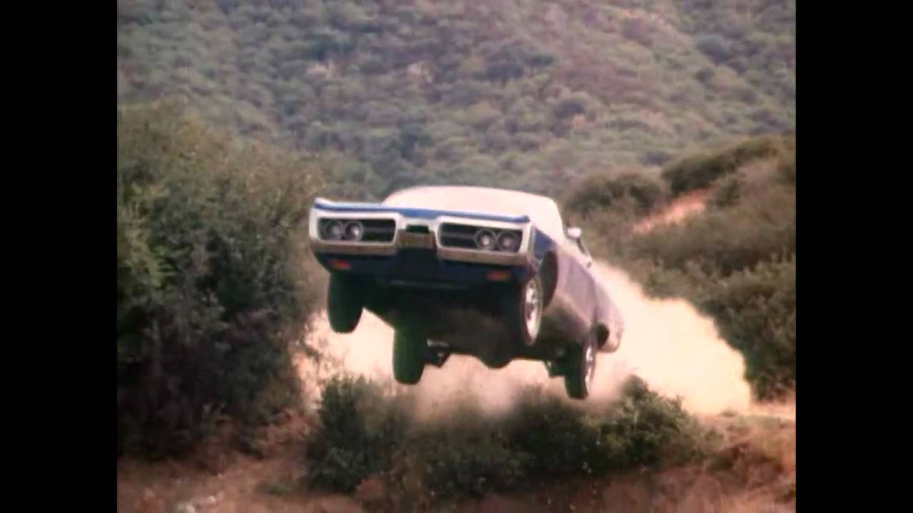 GENERAL LEE JUMPS / THE DUKES OF HAZZARD SPECIAL