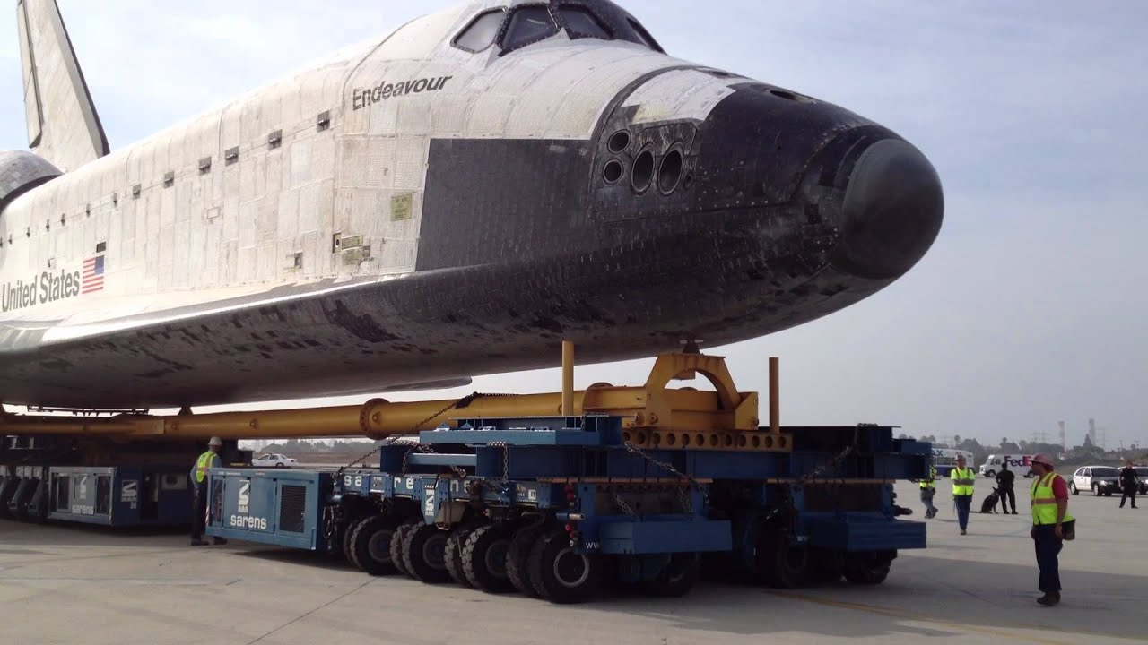 SPACE SHUTTLE SPIN ON THE TRANSPORTER - YouTube