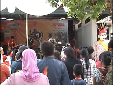 Energie Band - Dibawah Matahari - Bens FM Jakarta
