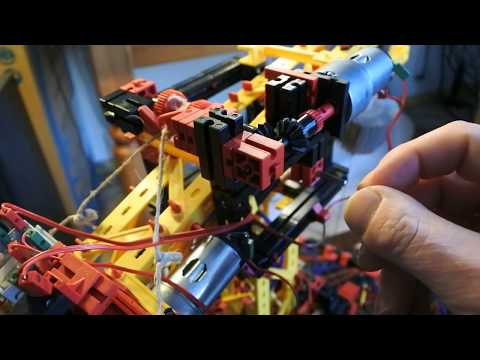 "fischertechnik pneumatic ""hand"" #102 : Gears, winch, reconstruction, motor, diagnose, Python, speed"