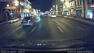 Смотреть видео ДТП площадь Белорусского вокзала г. Москва 19.11.2018 ПРИМЕРНО В 21:21 онлайн