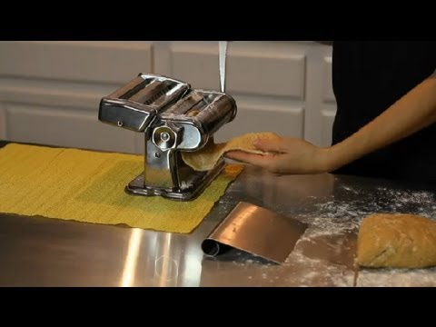 How to Make Fresh Pasta for a Dinner Party : DIY Recipes