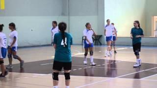 Гандбол. Игра за 2-е место украинских гандбольных команд из Днепродзержинска и Харькова в Болгарии .