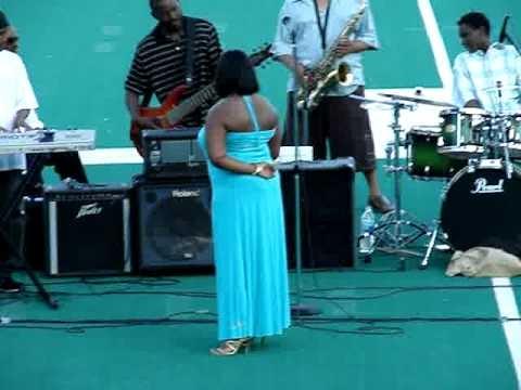 Lakisha Jones Live