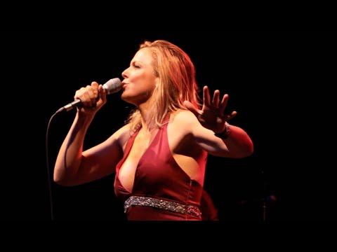 Pink Martini (with singer Storm Large) - Brasil