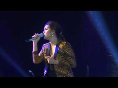 [HD] Raisa - Jatuh Hati - Live at Prambanan Jazz Jogja 21 Agt 2016 [FANCAM]