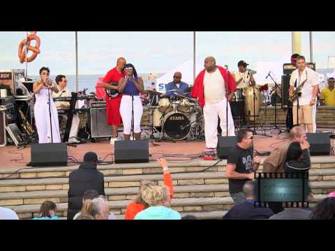 """Cashmere"" performing on the Great Lawn Stage"