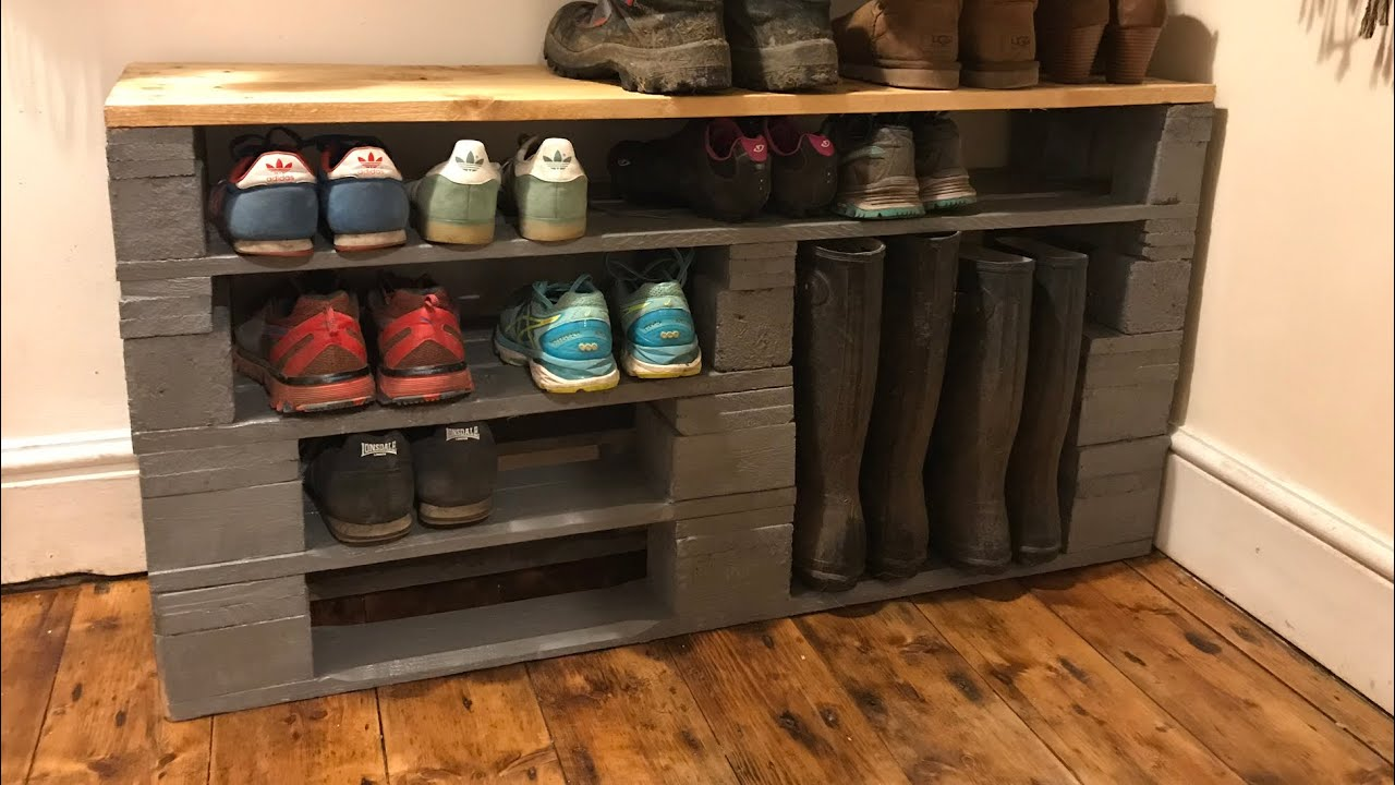 how to make a shoe rack out of old pallets diy shoe rack. Black Bedroom Furniture Sets. Home Design Ideas