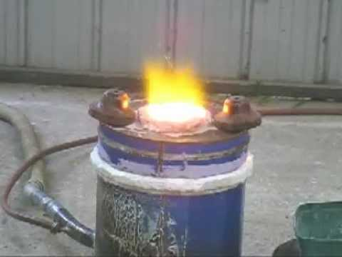 How to build a small cast iron melting furnace. - YouTube